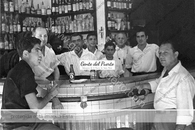 Bar de Vicente Sordo, 2º por la izquierda.