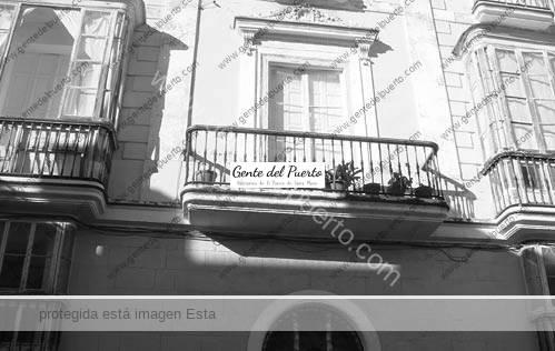 calle_luna_casa_puertosantamaria