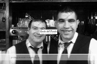 2camareros_ladraga_puertoasantamaria