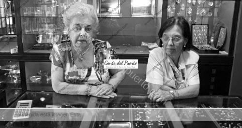joyeriasantos_personal-2_puertosantamaria