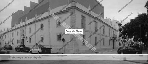 800px-Teatro_Pedro_Muñoz_Seca_(panorámica)