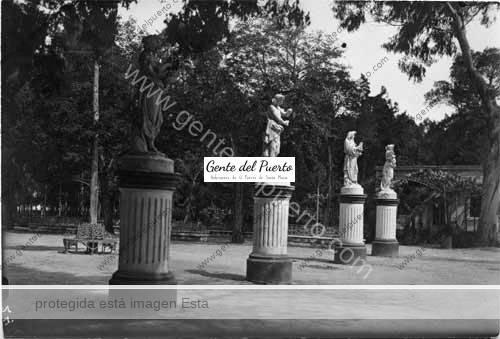 parquelavictoria_estatuas_puertosantamaria