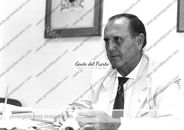 2.600. José Antonio Osborne Vázquez. Precursor de la expansión del Toro de Osborne.