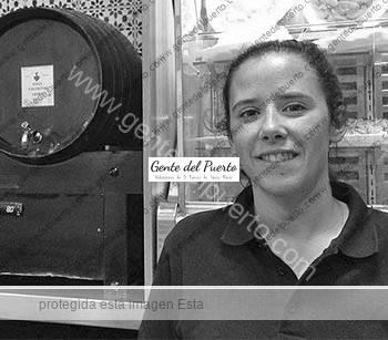 2.790. Lorena Ganaza. La familia regresa al Bar Gonzalo.