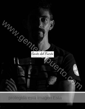 2.841. Fran Cairón. Inicia el reto de ser el primer español en dar la Vuelta al Mundo en moto deportiva.