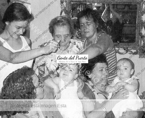 mercedestoronjo_cuatrogeneraciones_puertosantamaria