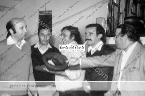 2.894. Directivos del Racing Club Portuense tras la derrota en Vall de Uxó (Castellón).