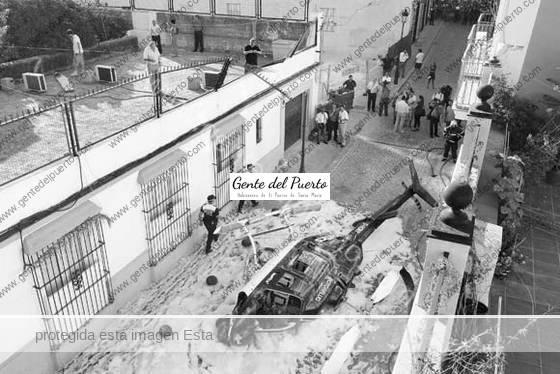 2.933. El helicóptero que cayó en la calle San Juan hace cinco años.