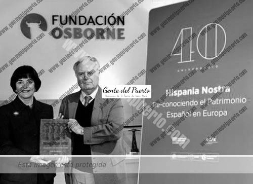3.015. Reconocimiento de 'Hispania Nostra' al Toro de Osborne