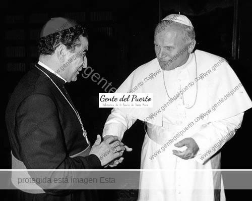 Rafael-Bellido-Caro-con-Juan-Pablo-II-puertosnatamaria