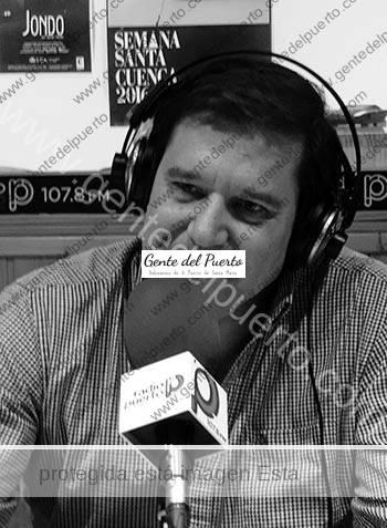 3.108. Enrique García-Máiquez López. Nuevo libro 'Tu sangre en mis venas. Poemas al padre'.