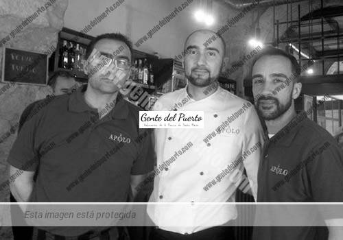 3.131. Roberto, Juan Diego y Jesús Benítez. El Bar Apolo se quita 30 años de encima