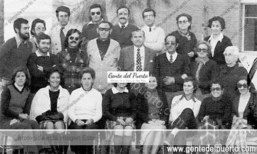 3.154. Claustro de Profesores del Colegio Cristóbal Colón. Año 1975.