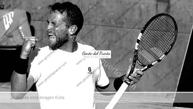 3.159. Ricardo Ojeda Lara. Participante en el 'Roland Garros', en París.