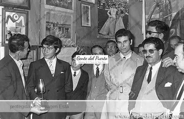 3.182. Tres Toreros en el Club Taurino.