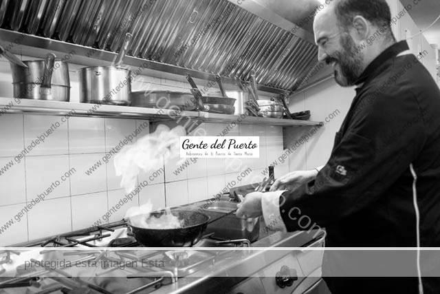 2.359 . Nacho Barea. Gastronomía y paz en un palacete de  principios del siglo XX