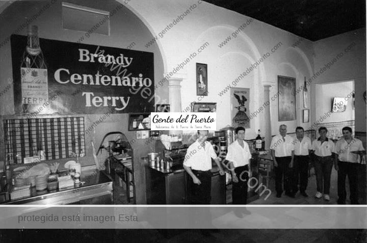 3.276. Bar Vicente. Gloria eterna al incomprendido e imprescindible bar de barrio.