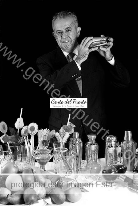 2.370. Juan Franco del Valle. La cafetería coctelería Milord echa el cierre.
