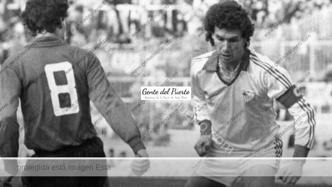 3.297. Enrique Montero. Designado '10º Dorsal Leyenda' del Sevilla C.F.