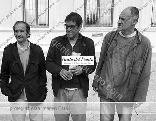 3.586. Eduardo, Rachij y Fernando. Ocupantes del edificio Larga, 35