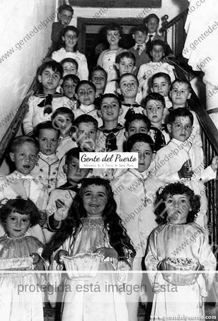 3.604. Carmen y Cari López Ibáñez. Aquellas Primeras Comuniones (y II)