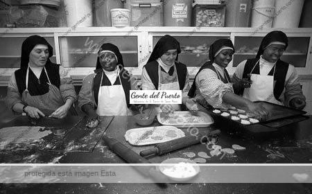 3.641. Visita el Convento del Espiritu Santo para conocer a las hermanas y su trabajo diario en pastelería, bordados…