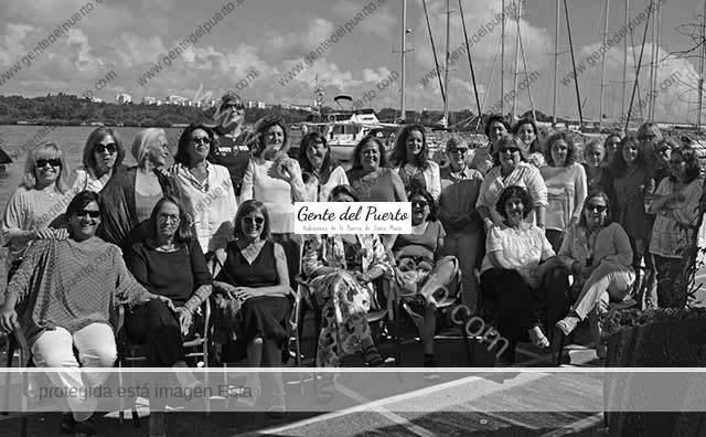 3.667. Reencuentro de ex alumnas de las Carmelitas. Promoción 1974