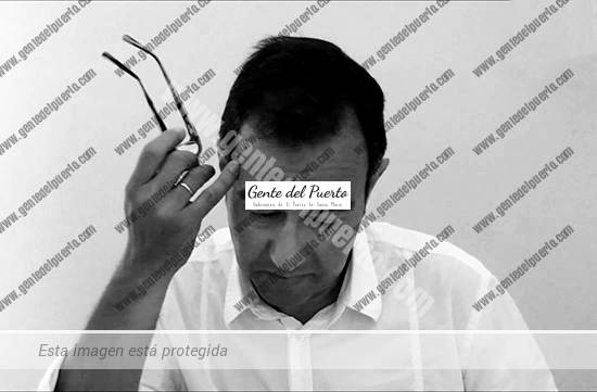 3.798. Ángel Mendoza. Premio de Poesía Juana de Castro, con su poemario 'Mal de Tiempo'