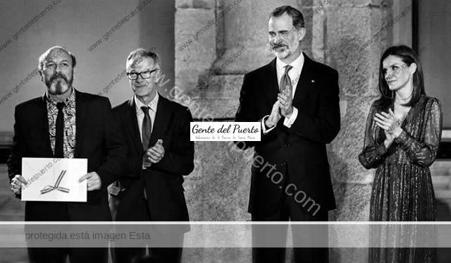 3.924. Javier Ruibal recibe de los Reyes de España el Premio a las Músicas Actuales 2017