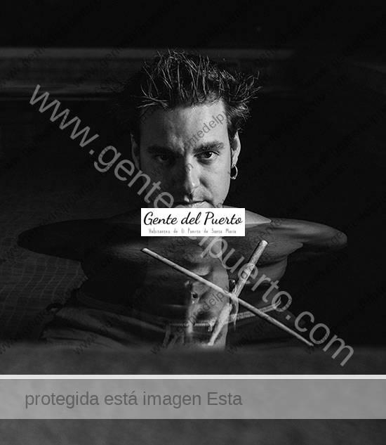 3.933. Javi Ruibal Inchaurrondo. Músico, productor e ingeniero de sonido. 'Solo un Mundo', álbum en solitario