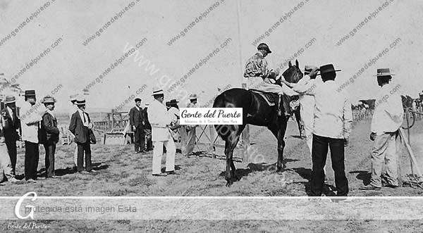 4338. Carreras de Caballos en 1910. En la Vega de los Pérez