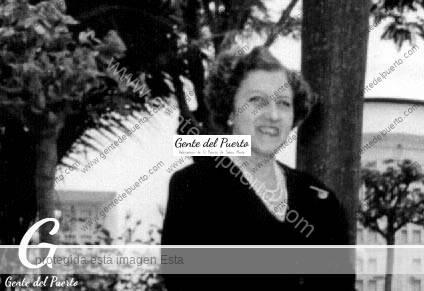 4.445. Tula Ruiz Golluri. Hija predilecta de El Puerto