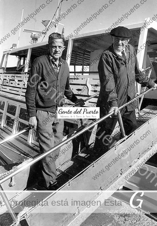 4.527. Pepe y Juan Fernández Sanjuan. Patrones del Vapor de El Puerto