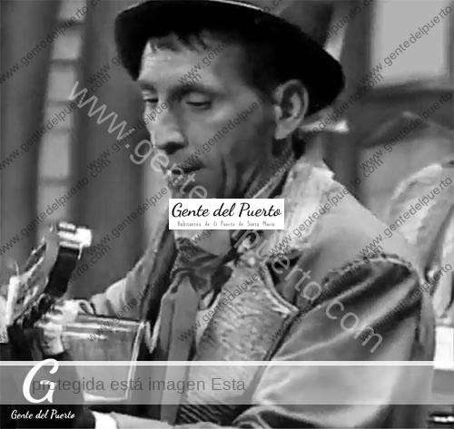 4.541. Juan Antonio del Pino Suárez. Guitarra en 'Los Majara'