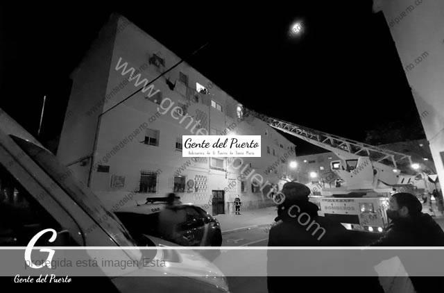 4.604. Los Bomberos acceden por una ventana a un domicilio en la barriada Francisco Dueñas