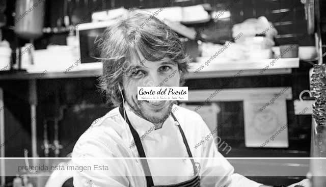 4.767. Alejandro Alcántara. Cocinero de 'Amarola' en el paseo marítimo de Puerto Sherry