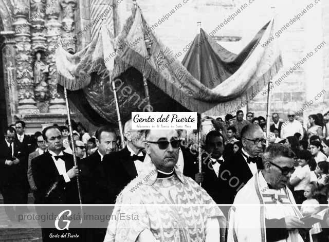 4.766. V centenario de la Archicofradía del Santísimo y 40 aniversario de su disolución